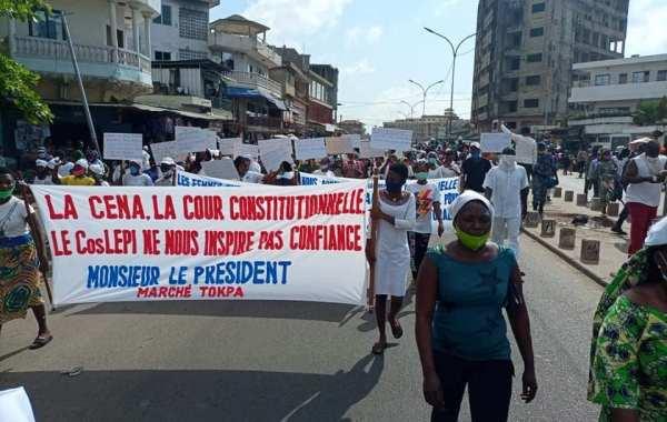 marche pacifique des femmes