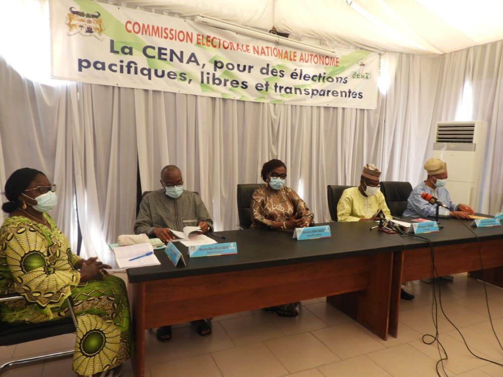 cérémonie de remise de chèques aux formations politiques éligibles au financement public au titre de l'année 2020