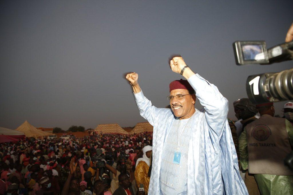 Niger : Mohamed Bazoum remporte la présidentielle avec 55,75%, sa réaction