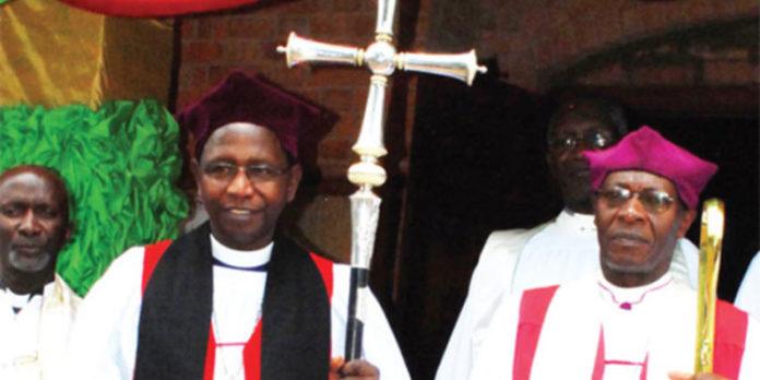 Ouganda : Un Archevêque suspendu pour avoir mangé le fruit défendu…avec une femme mariée en plus