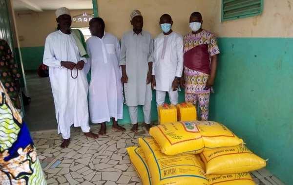 Action caritative: Importants dons de vivres de Laurent Zomaï, président du CCJ aux communautés musulmanes d'Agamé, de Ouèdèmè, de Lokossa centre et de Lokossa Zongo