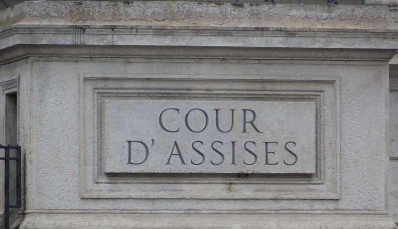 Lyon : Un homme jugé pour avoir jeté sa femme par la fenêtre et maquillé sa mort en suicide