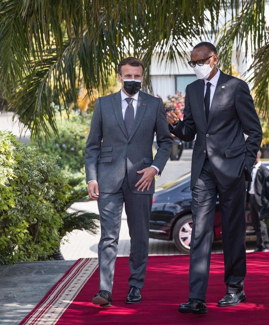 """Emmanuel Macron au Rwanda : """"Je viens reconnaître nos responsabilités"""" dans le génocide de 1994"""