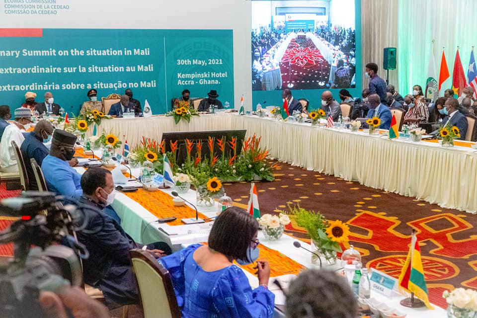 La Cédeao suspend le Mali de ses institutions et exige la « nomination immédiate d'un nouveau Premier ministre civil »