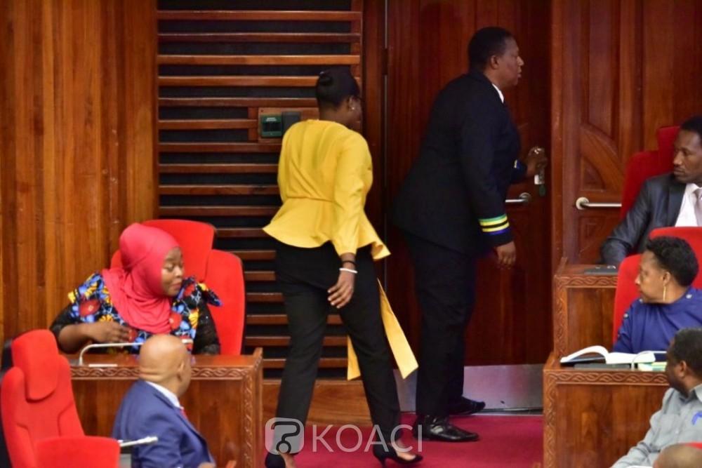 Tanzanie : La députée Condester Sichwale, chassée du parlement pour avoir porté un pantalon jugé « trop serré »