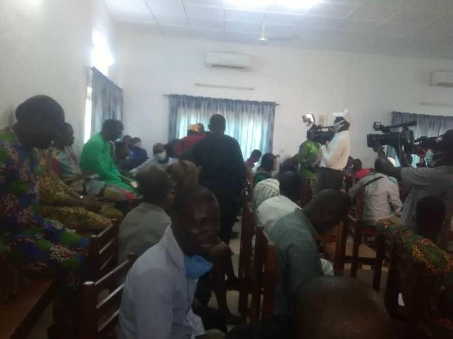 Kpakpato Sans Payer/Abomey-Calavi : Pugilat manqué à la conférence de presse des Conseillers communaux du Bloc républicain, grosse tension entre des journalistes et des élus
