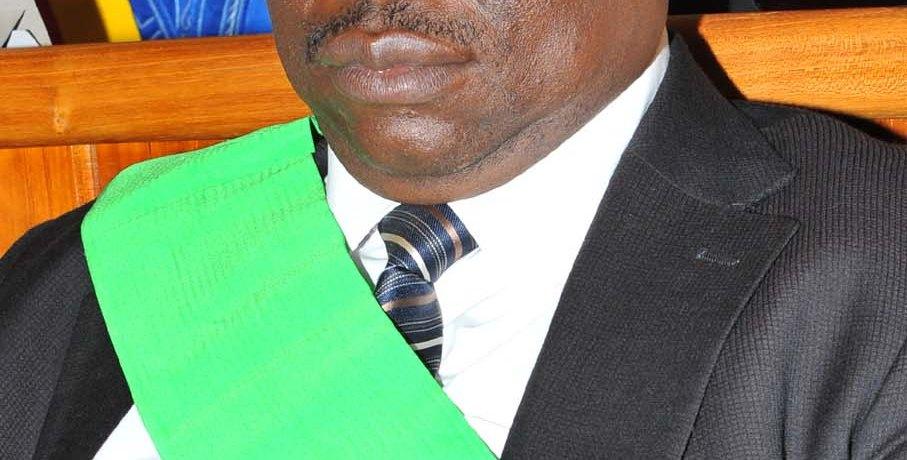 Bénin : Falliou Akadiri nommé vice grand chancelier de l'Ordre national, André Okounlo désormais Ambassadeur